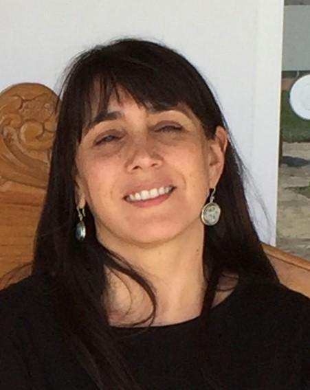 Dr. Loreto Prat